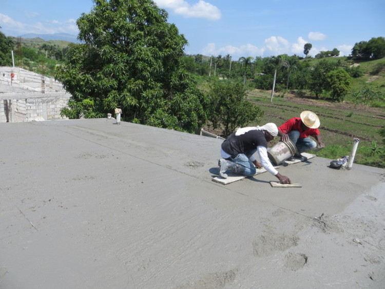 Smoothing out concrete roof